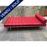 "Ref : MC777 - ""Day bed""en cuir rouge avec certificat Knoll"