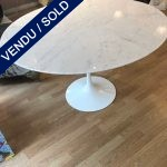 Ref : MT972 - Saarinen / Knoll table. Italian marble tray