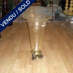 Vase in gilded glass of Murano staying on three feet - SOLD