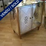 Tiny buffet 2 gates - eglomise mirror - SOLD