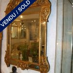 Glace époque Louis XV en bois doré sculpté et ajouré - VENDU